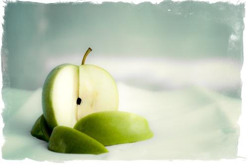 Apple (1 of 1)